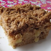Moist Apple Cinnamon Coffee Cake
