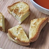 Grilled Cheese Dippers with Jarlsberg