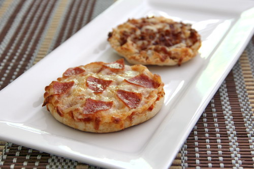 English muffin pizzas baked by rachel if forumfinder Choice Image