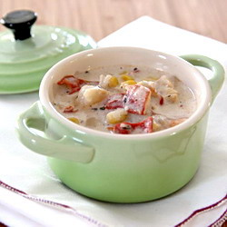 Slow cooker lobster chowder