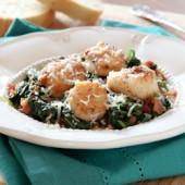Pan Seared Scallops with Spinach and Bacon