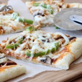 Cajun Chicken Pizza Recipe - bakedbyrachel.com