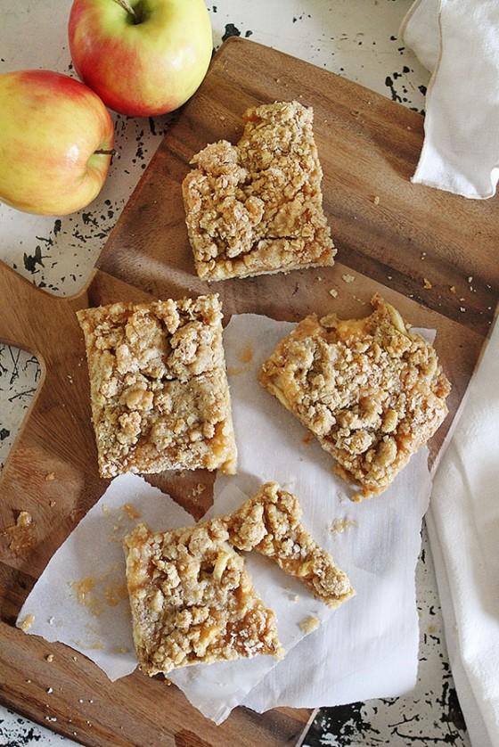 Oatmeal Caramel Apple Bar Recipe by I Am Baker on bakedbyrachel.com