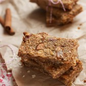 Apple Pie Granola Bars by The Baker Chick on bakedbyrachel.com