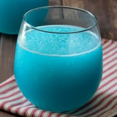 Lemon-Lime Blue Slushie from @bakedbyrachel A fun frozen drink for Summer!