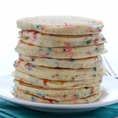 Fluffy homemade funfetti cake batter pancakes! Recipe from @bakedbyrachel