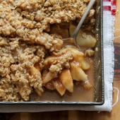 Apple-pear crisp recipe from @bakedbyrachel A must make Fall dessert!