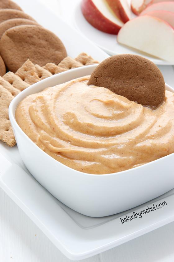 Creamy homemade caramel pumpkin pie dip recipe from @bakedbyrachel