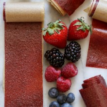 Easy homemade berry fruit leather recipe from @bakedbyrachel A fun snack for the entire family!