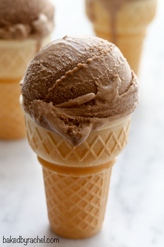 Creamy homemade chocolate coffee ice cream recipe from @bakedbyrachel