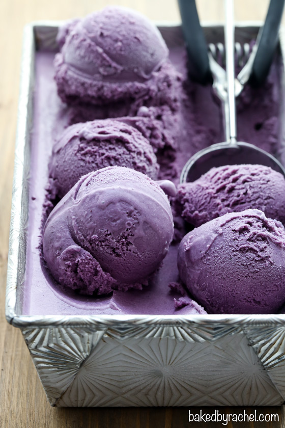 Creamy homemade blueberry ice cream recipe from @bakedbyrachel