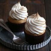 Small batch moist pumpkin cupcakes with brown sugar meringue frosting recipe from @bakedbyrachel