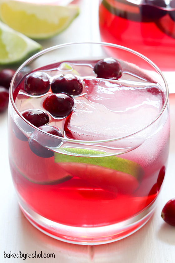 Easy cranberry margarita recipe from @bakedbyrachel A festive Fall cocktail!
