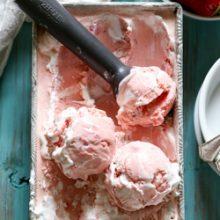 Creamy homemade strawberry meringue ice cream recipe from @bakedbyrachel