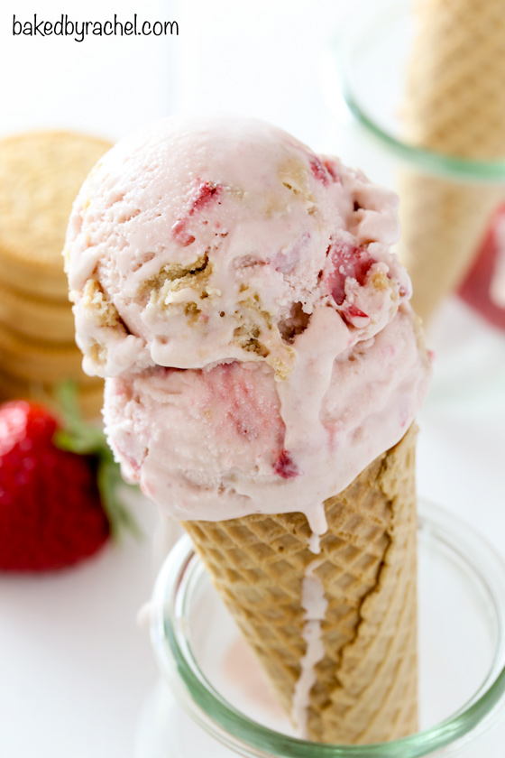 Strawberry cookies and cream ice cream recipe from @bakedbyrachel